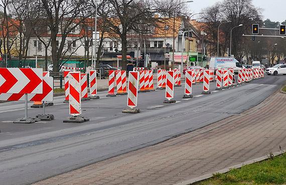 Radni zaniepokojeni powtarzającymi się kolizjami na ul. Wojska Polskiego pytali. Odpowiedział inżynier ruchu